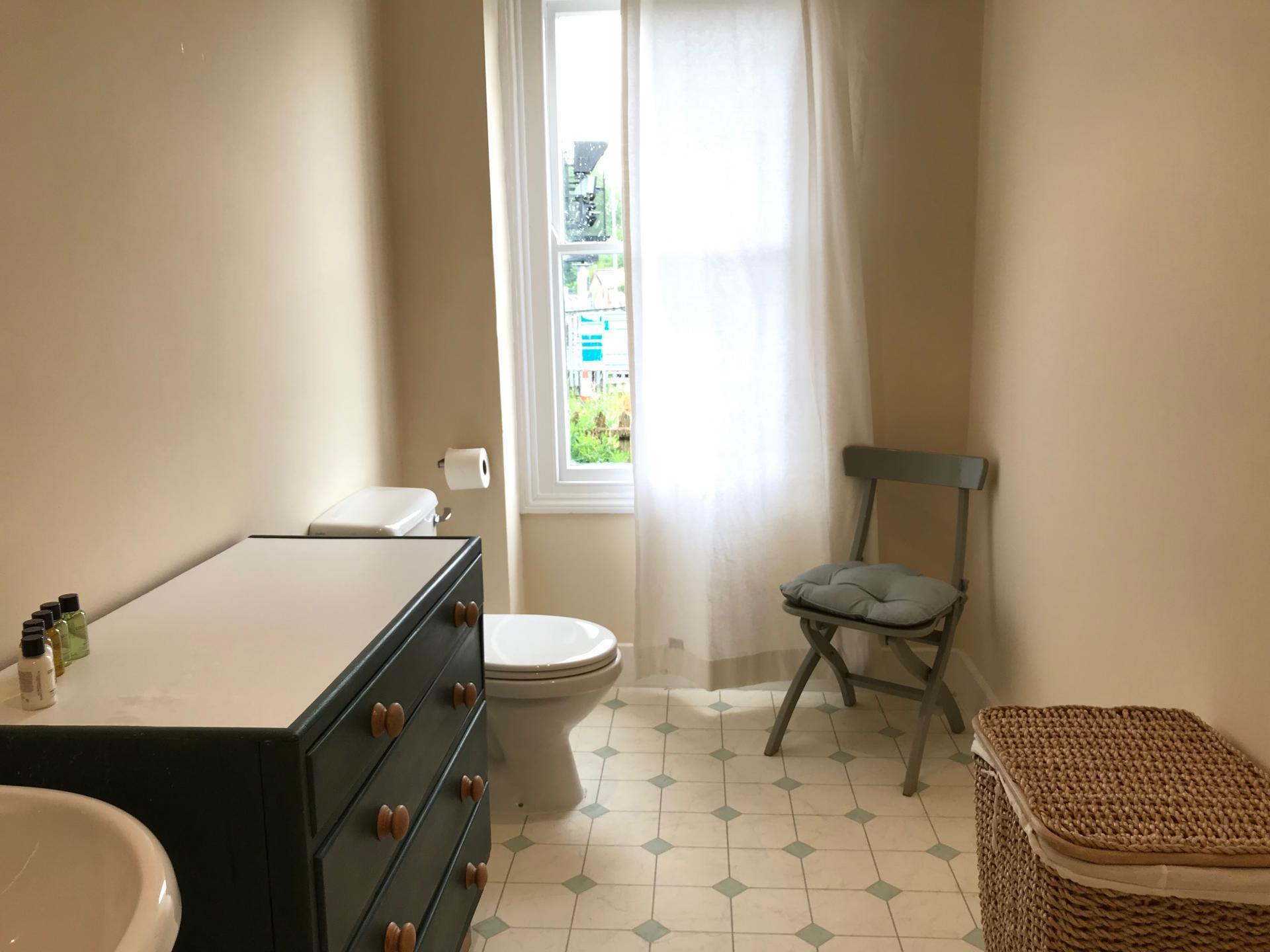 Toilet at Abbey Road Apartment - Citybase Apartments