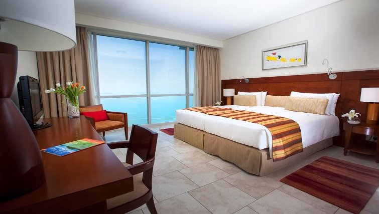 Pleasant bedroom in JA Oasis Beach Tower - Citybase Apartments