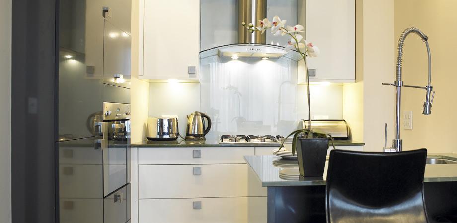 Kitchen at Kensington House Apartments - Citybase Apartments