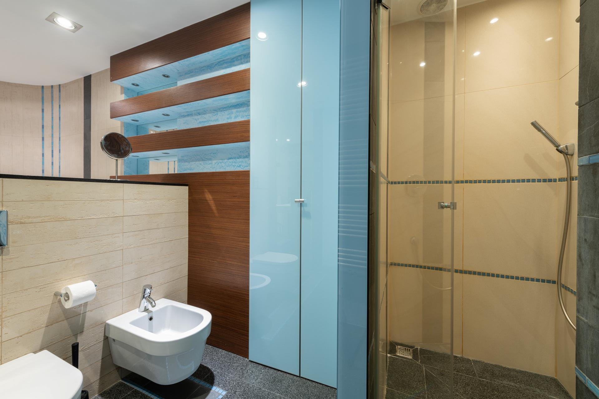 Shower at Wilanow 6 Apartments, Wilanów, Warsaw - Citybase Apartments