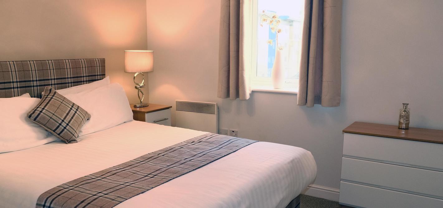 Bedroom at Knightsbridge Court Apartments - Citybase Apartments
