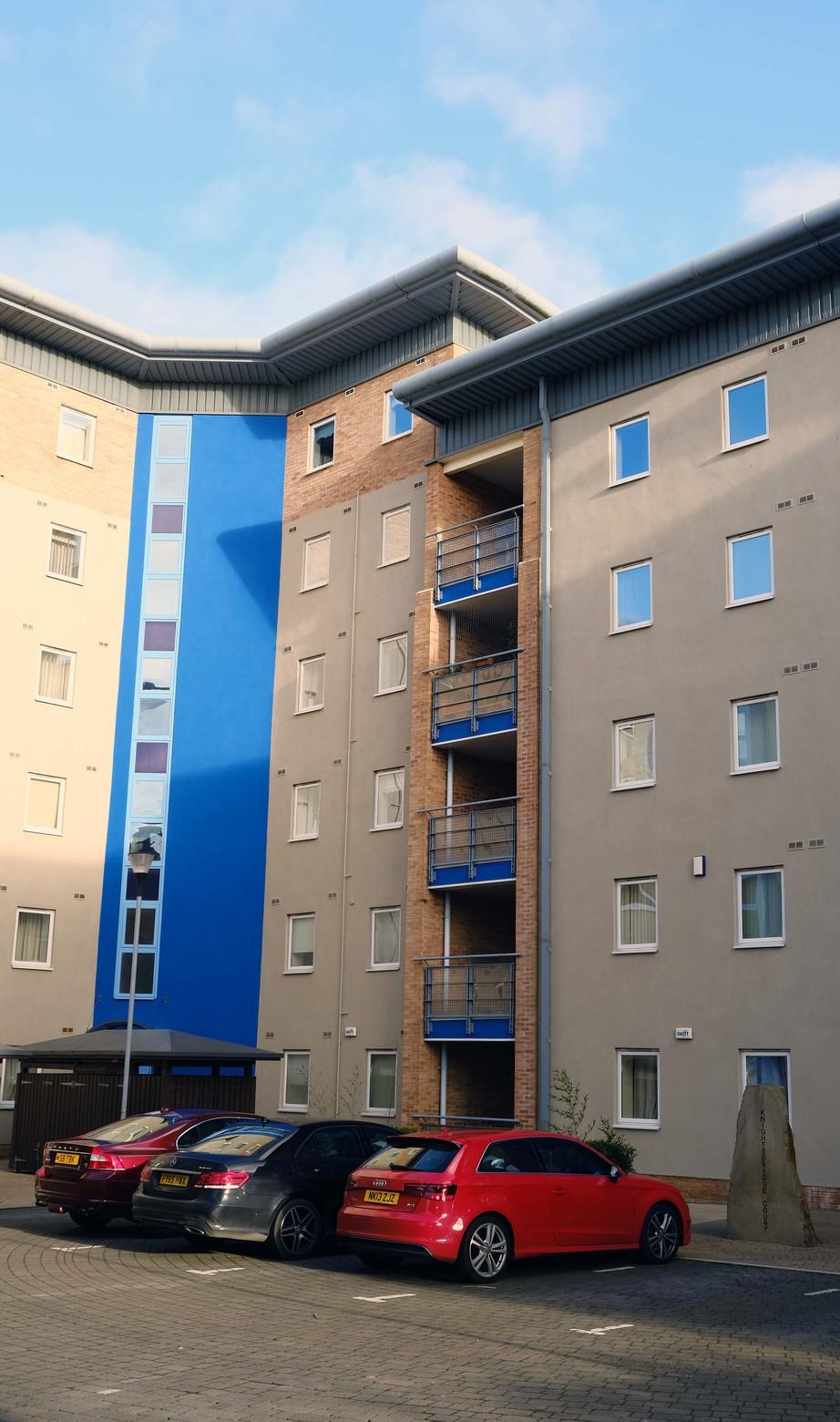 Exterior at Knightsbridge Court Apartments - Citybase Apartments