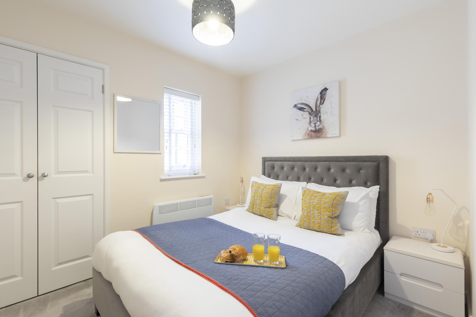 Double bed at Apartment 4 Murray House - Citybase Apartments