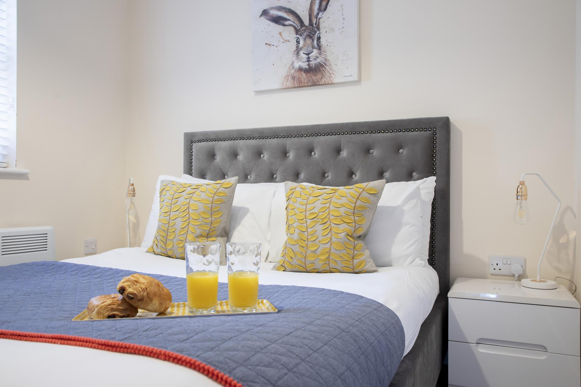 Cosy bed at Apartment 4 Murray House - Citybase Apartments