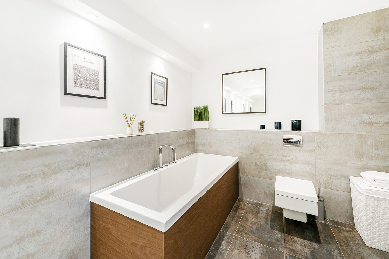 Bathroom at Bull Inn Court Apartment - Citybase Apartments