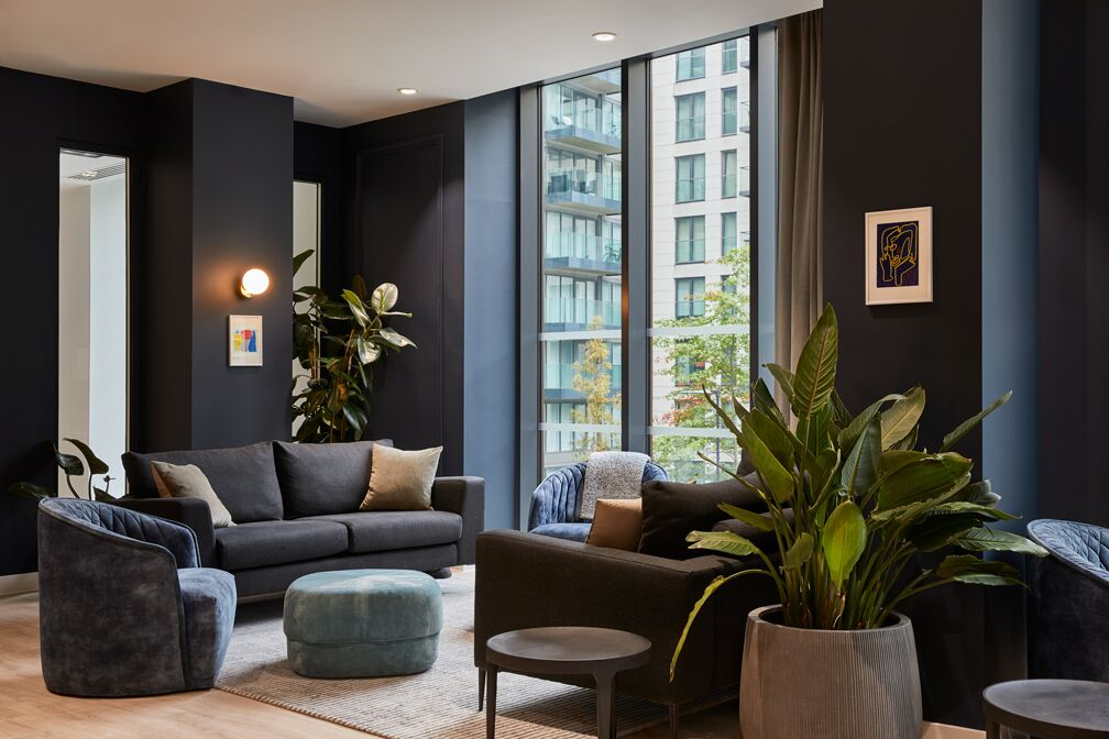 Residents lounge at Crossharbour Plaza Apartments, Isle of Dogs, London - Citybase Apartments