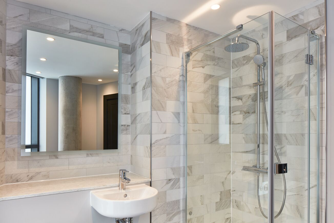 Shower at Crossharbour Plaza Apartments, Isle of Dogs, London - Citybase Apartments