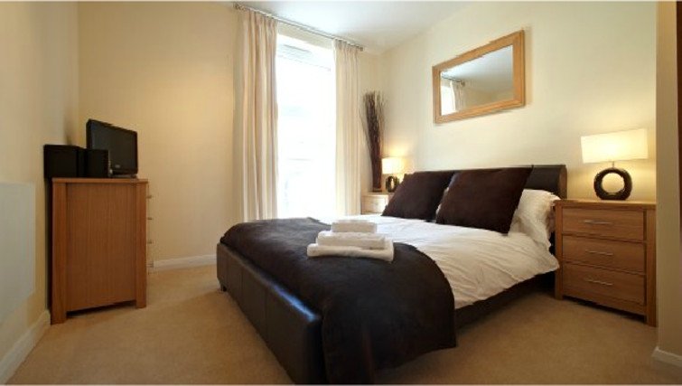 Lovely bedroom in Ibex House - Citybase Apartments