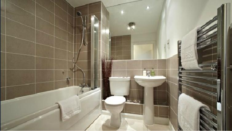 Gorgeous bathroom in Ibex House - Citybase Apartments
