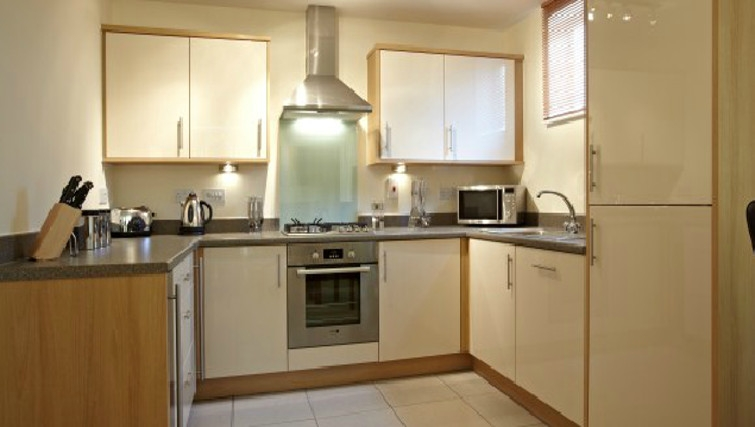 Large kitchen in Ibex House - Citybase Apartments