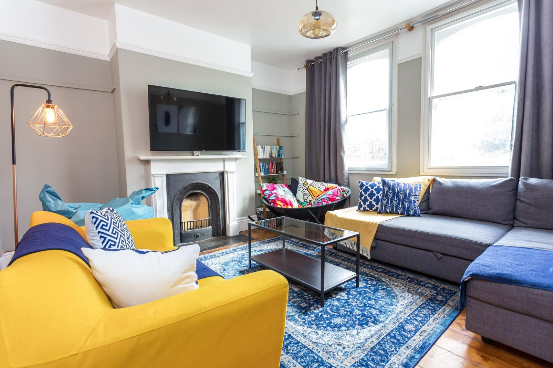 Living area at The River Cam Place, Centre, Cambridge - Citybase Apartments