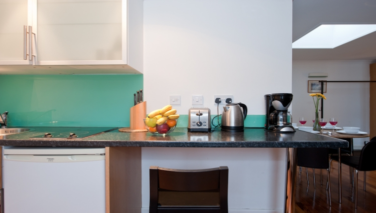 Simplistic kitchen in High Street Kensington Apartments - Citybase Apartments