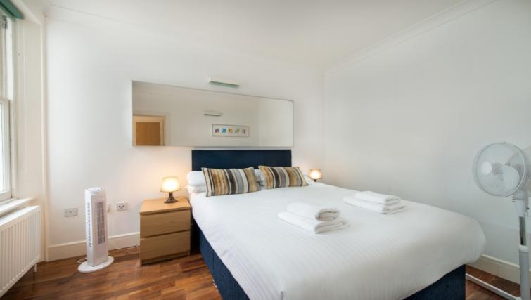 Double bed at High Street Kensington Apartments - Citybase Apartments