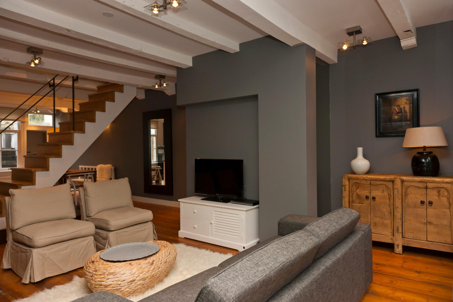 Living room at Jordaan Herenstraat Apartment, Amsterdam - Citybase Apartments
