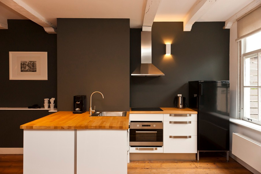 Kitchen at Jordaan Herenstraat Apartment, Amsterdam - Citybase Apartments