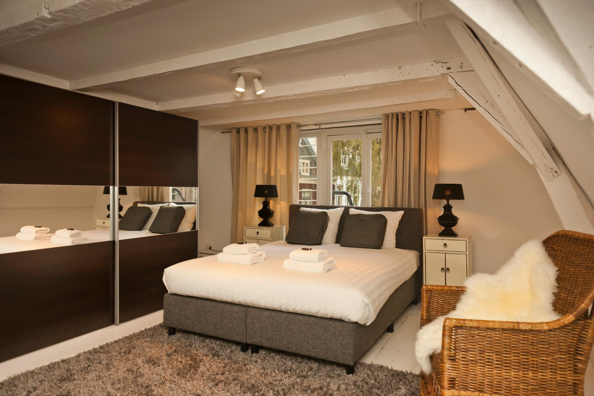 Bedroom at Jordaan Herenstraat Apartment, Amsterdam - Citybase Apartments