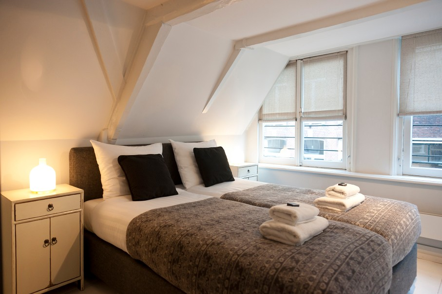 Beds at Jordaan Herenstraat Apartment, Amsterdam - Citybase Apartments