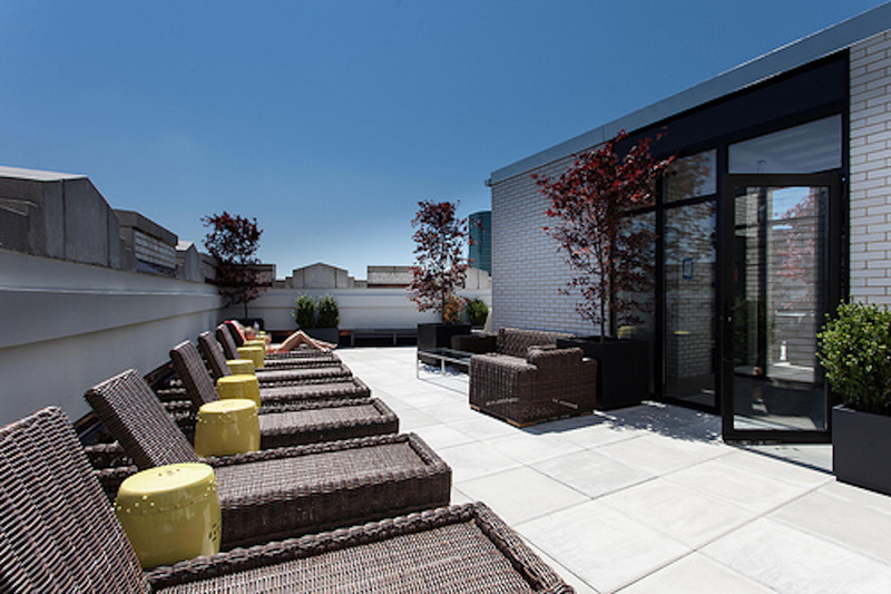 Rooftop deck at 116 John Street Corporate Housing - Citybase Apartments