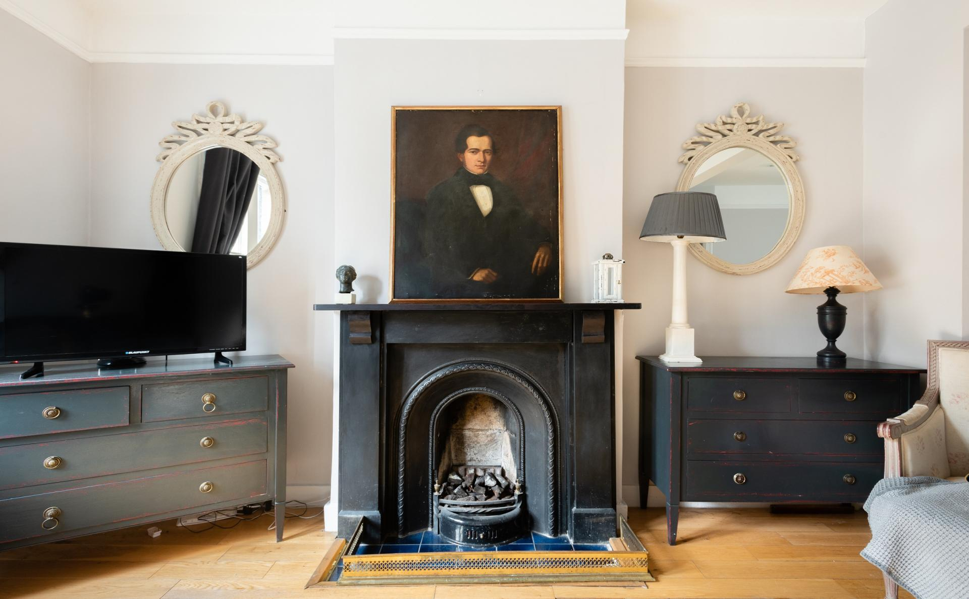 Fireplace at The Writer's Townhouse, Centre, Oxford - Citybase Apartments
