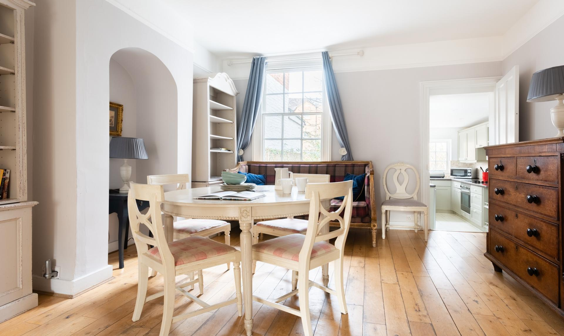Dining area at The Writer's Townhouse, Centre, Oxford - Citybase Apartments
