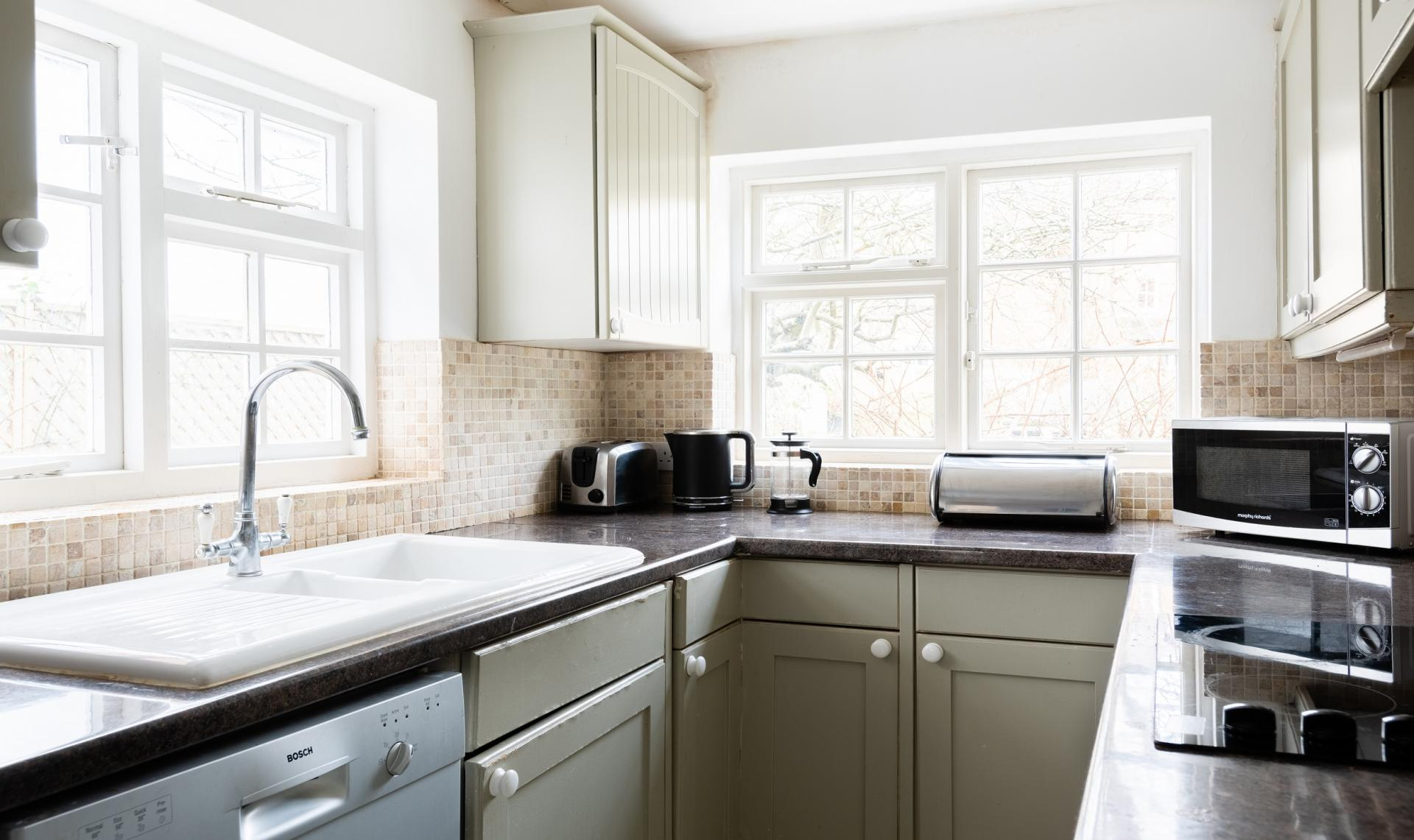 Worktops at The Writer's Townhouse, Centre, Oxford - Citybase Apartments