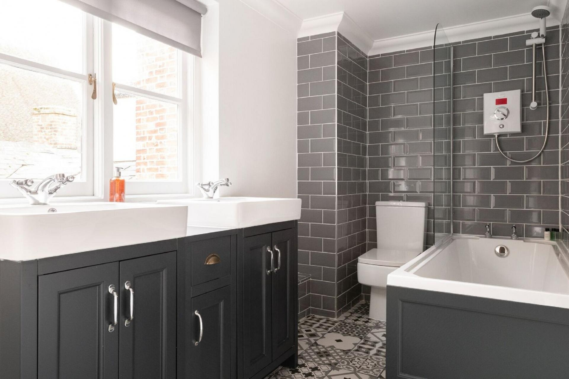Bathroom at The Oxford Loft, Centre, Oxford - Citybase Apartments