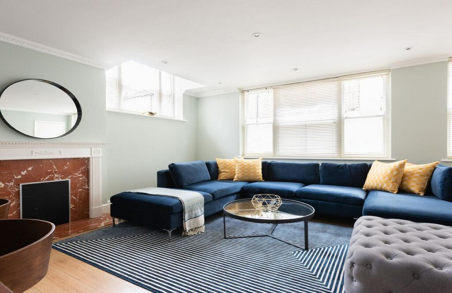 Living room at The Kensington Palace Mews, Kensington, London - Citybase Apartments