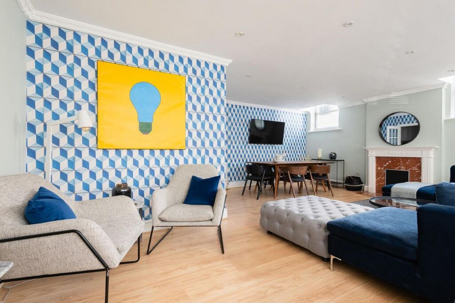 Living area at The Kensington Palace Mews, Kensington, London - Citybase Apartments