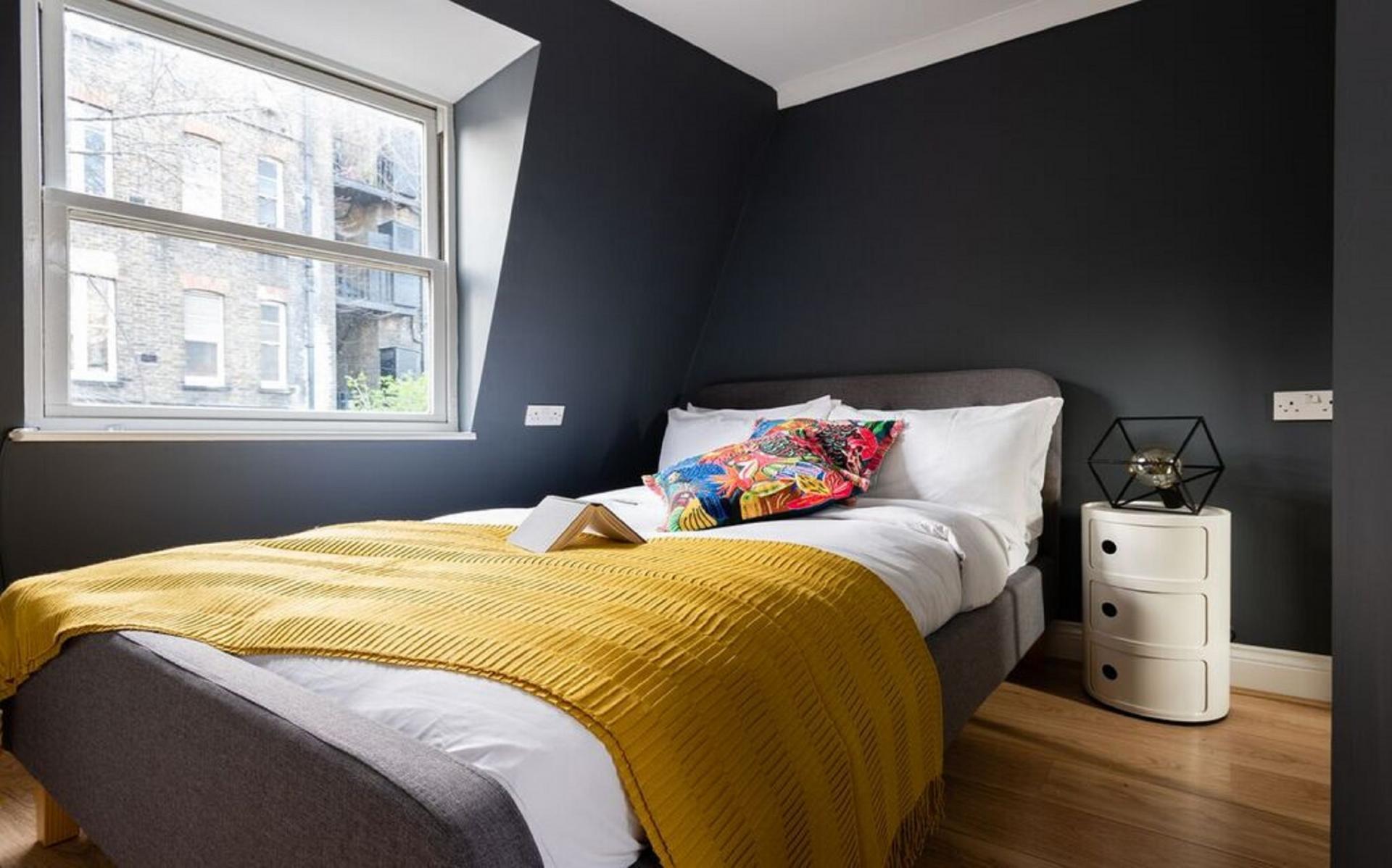 Dark walls at The Kensington Palace Mews, Kensington, London - Citybase Apartments