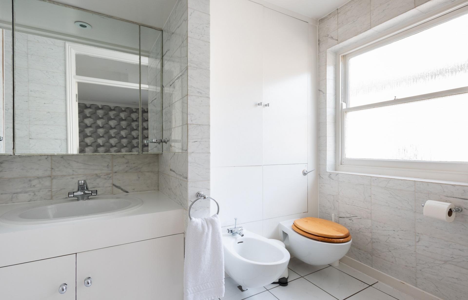 Sink at The Kensington Palace Mews, Kensington, London - Citybase Apartments