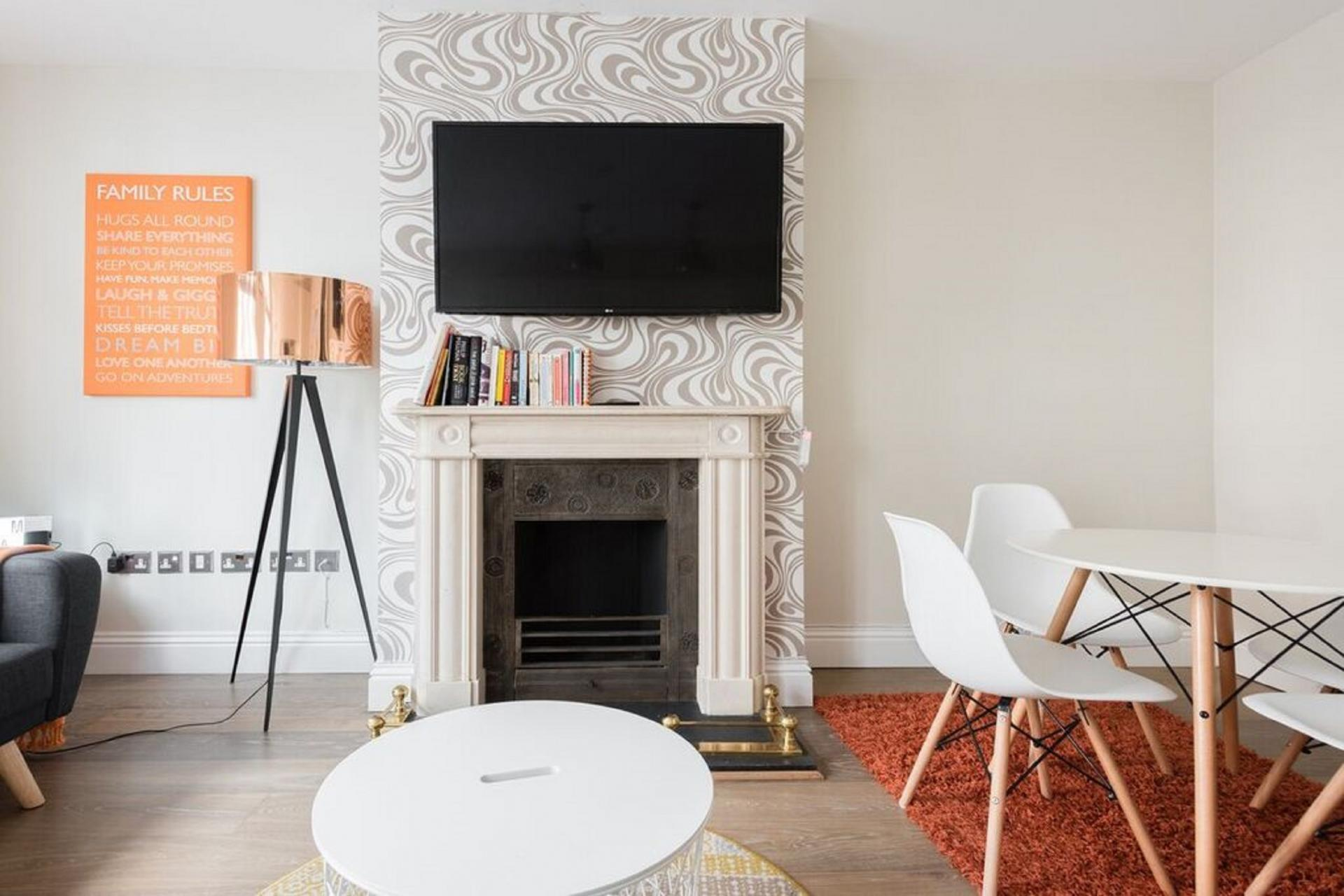 Dining area at The Oxford Street Studio, Paddington, London - Citybase Apartments