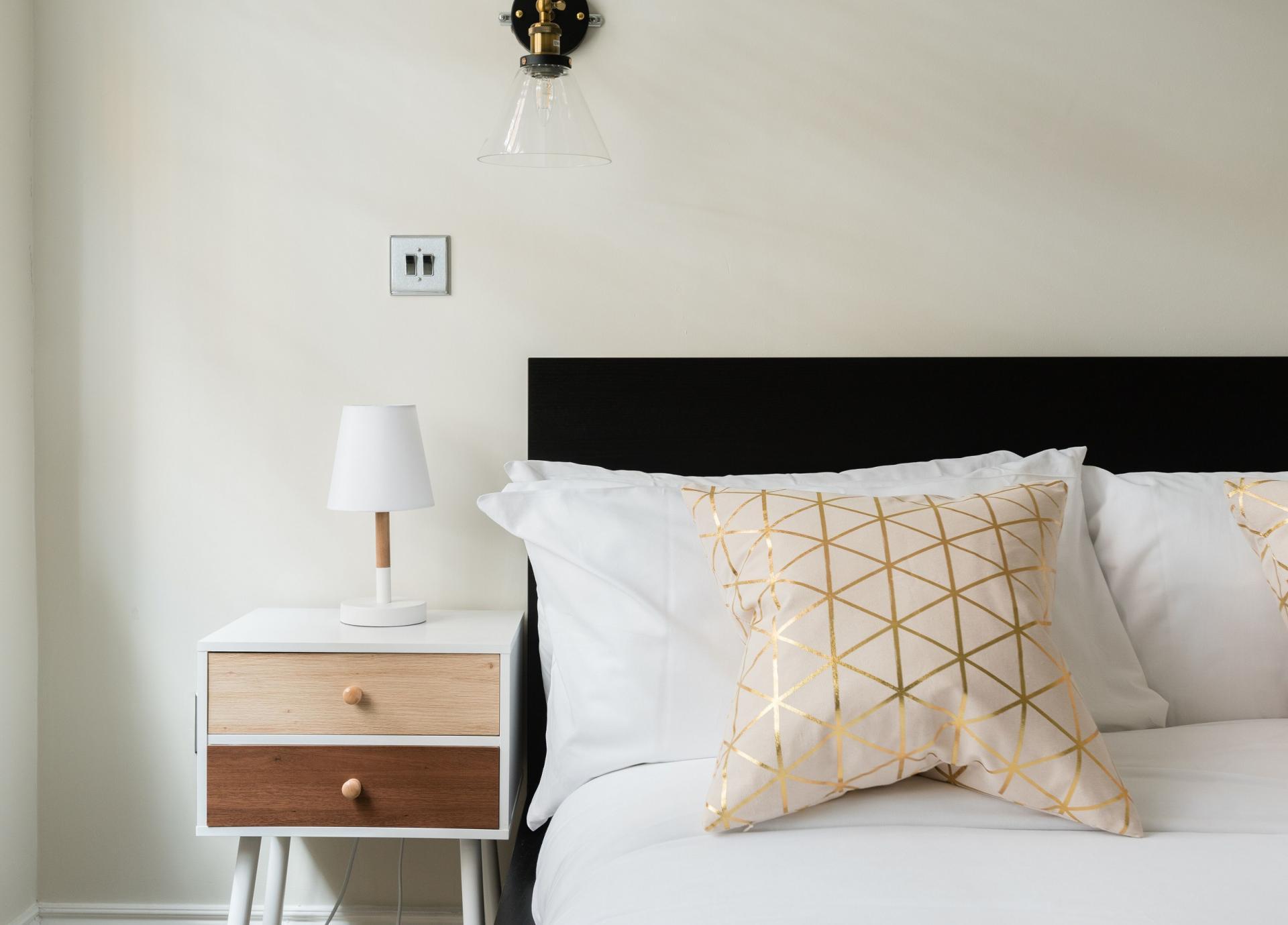 Bedside table at The Oxford Street Studio, Paddington, London - Citybase Apartments