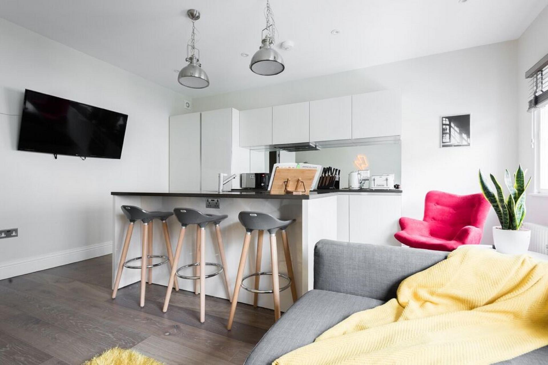 Open-plan at The Soho Studio Apartment, Paddington, London - Citybase Apartments
