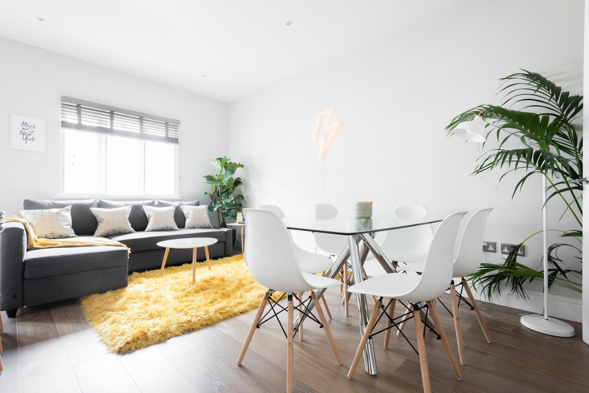 Dining area at The Soho Studio Apartment, Paddington, London - Citybase Apartments