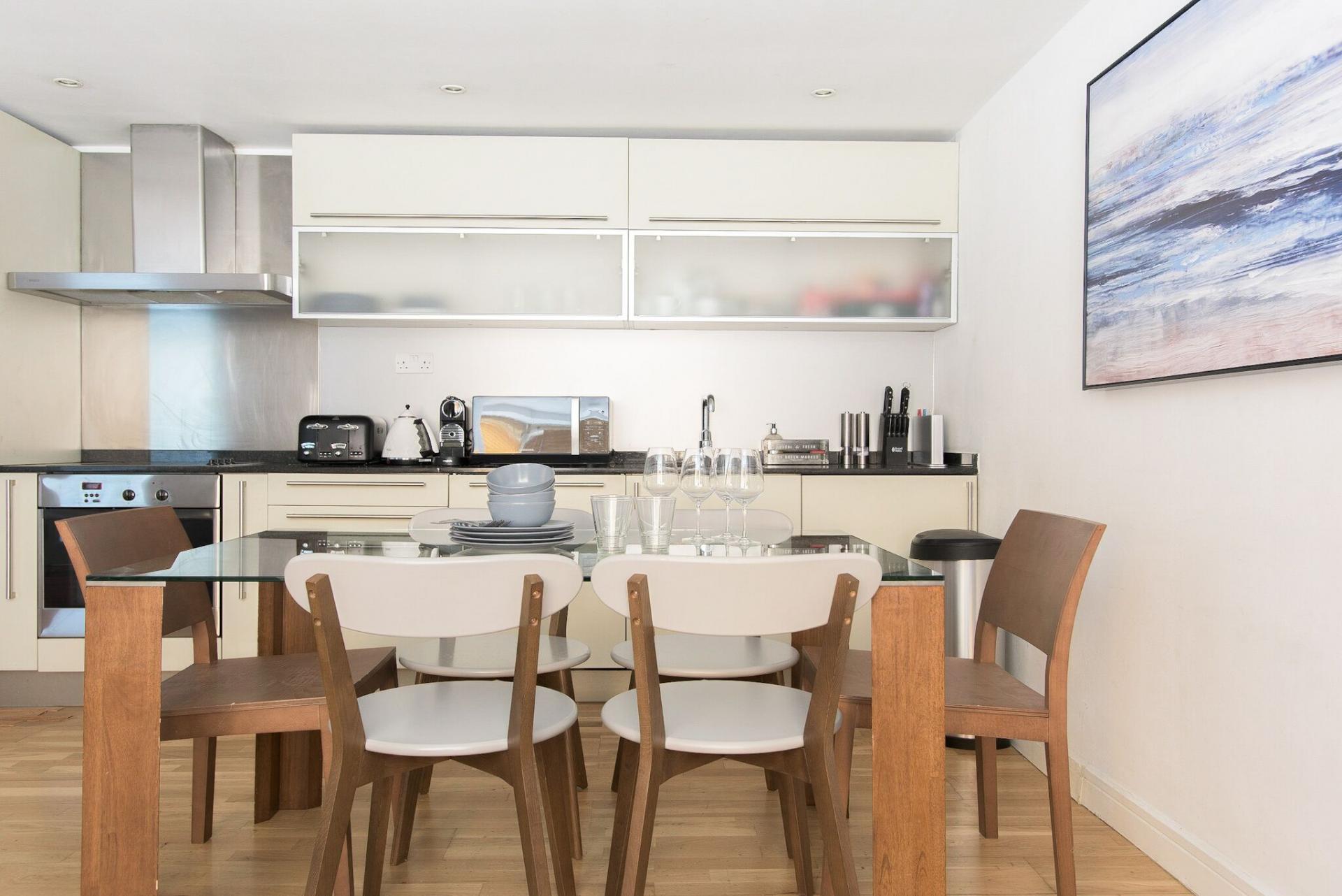 Kitchen at The Paddington Maisonette, Paddington, London - Citybase Apartments