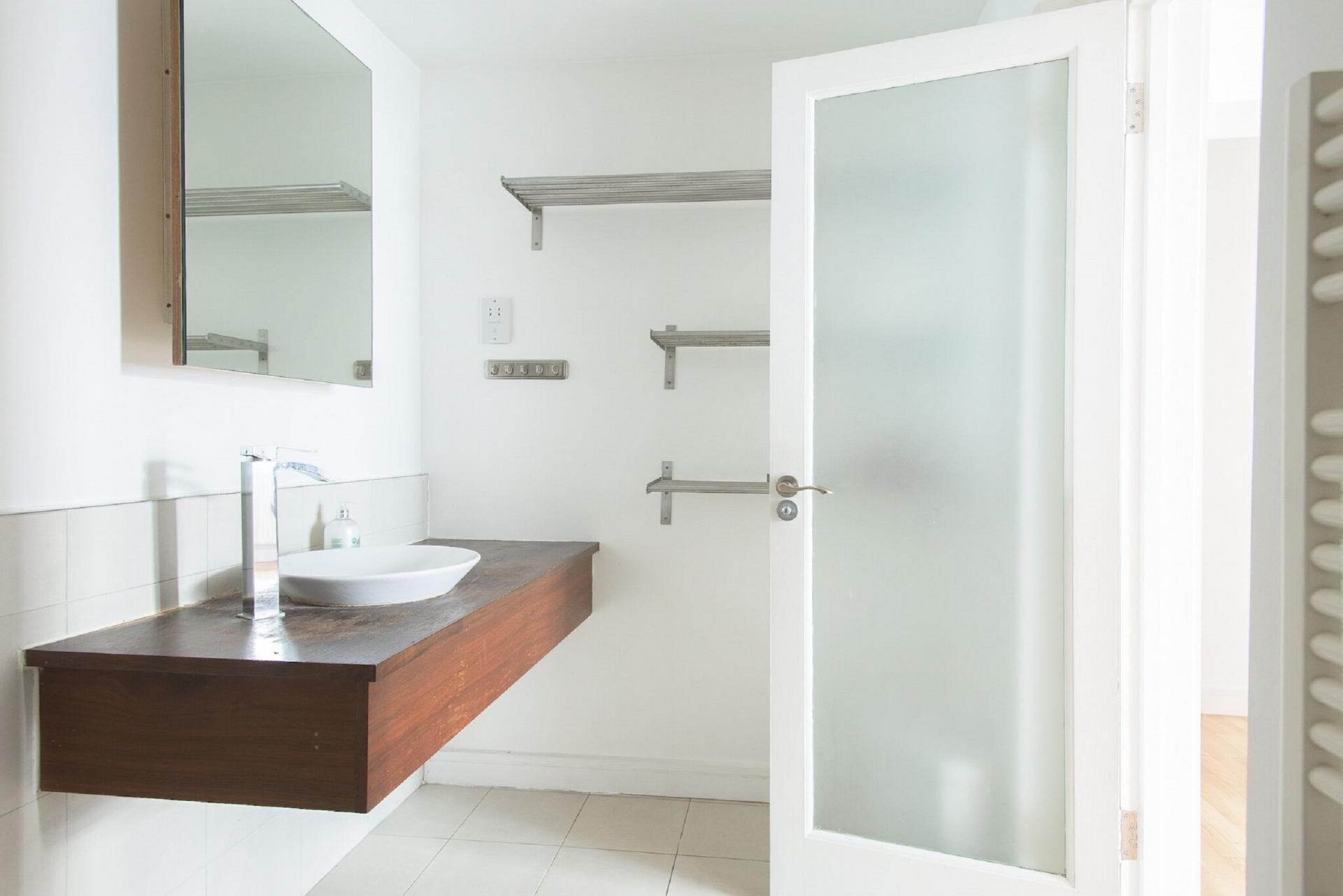 Sink at The Paddington Maisonette, Paddington, London - Citybase Apartments