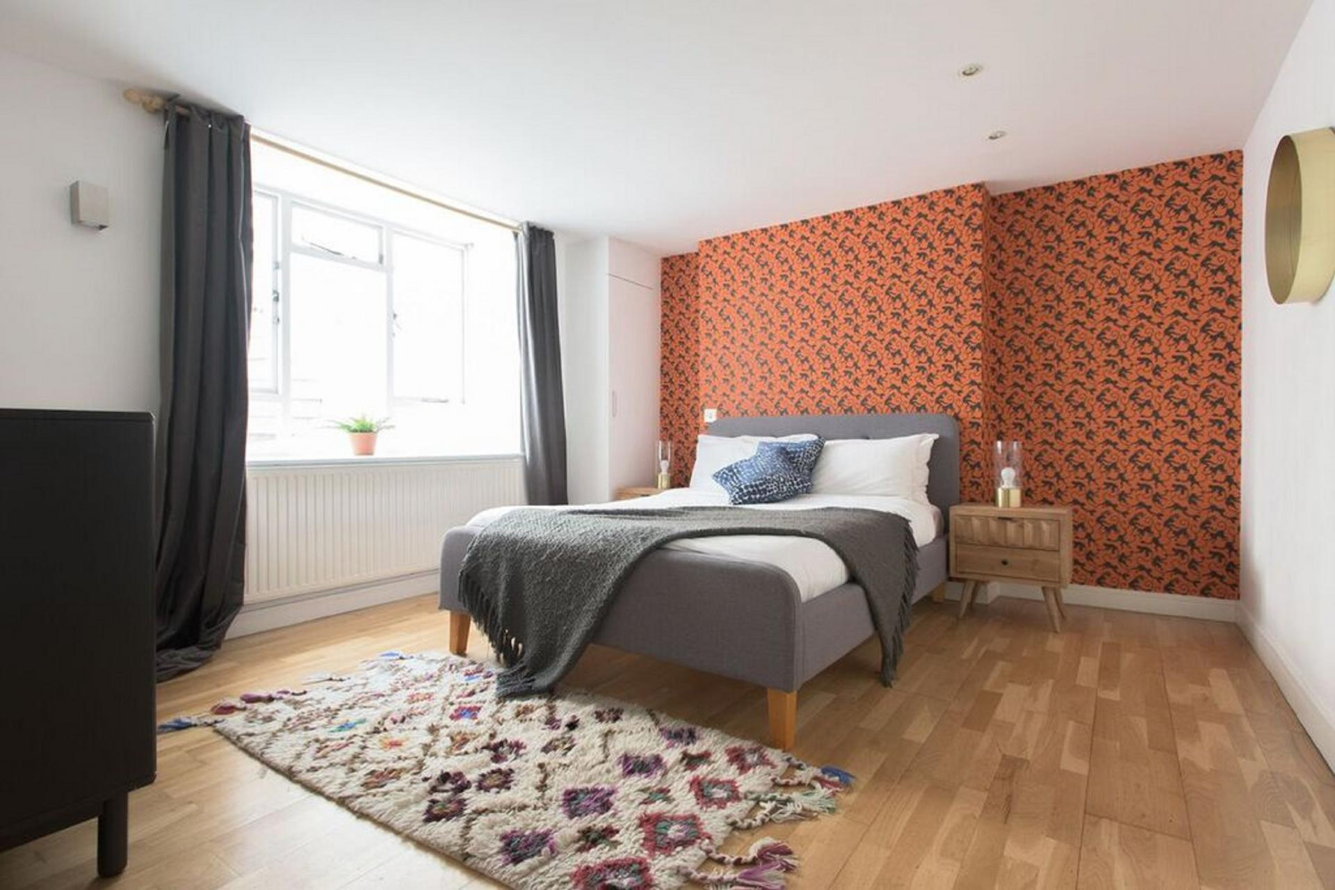 Rug at The Paddington Maisonette, Paddington, London - Citybase Apartments