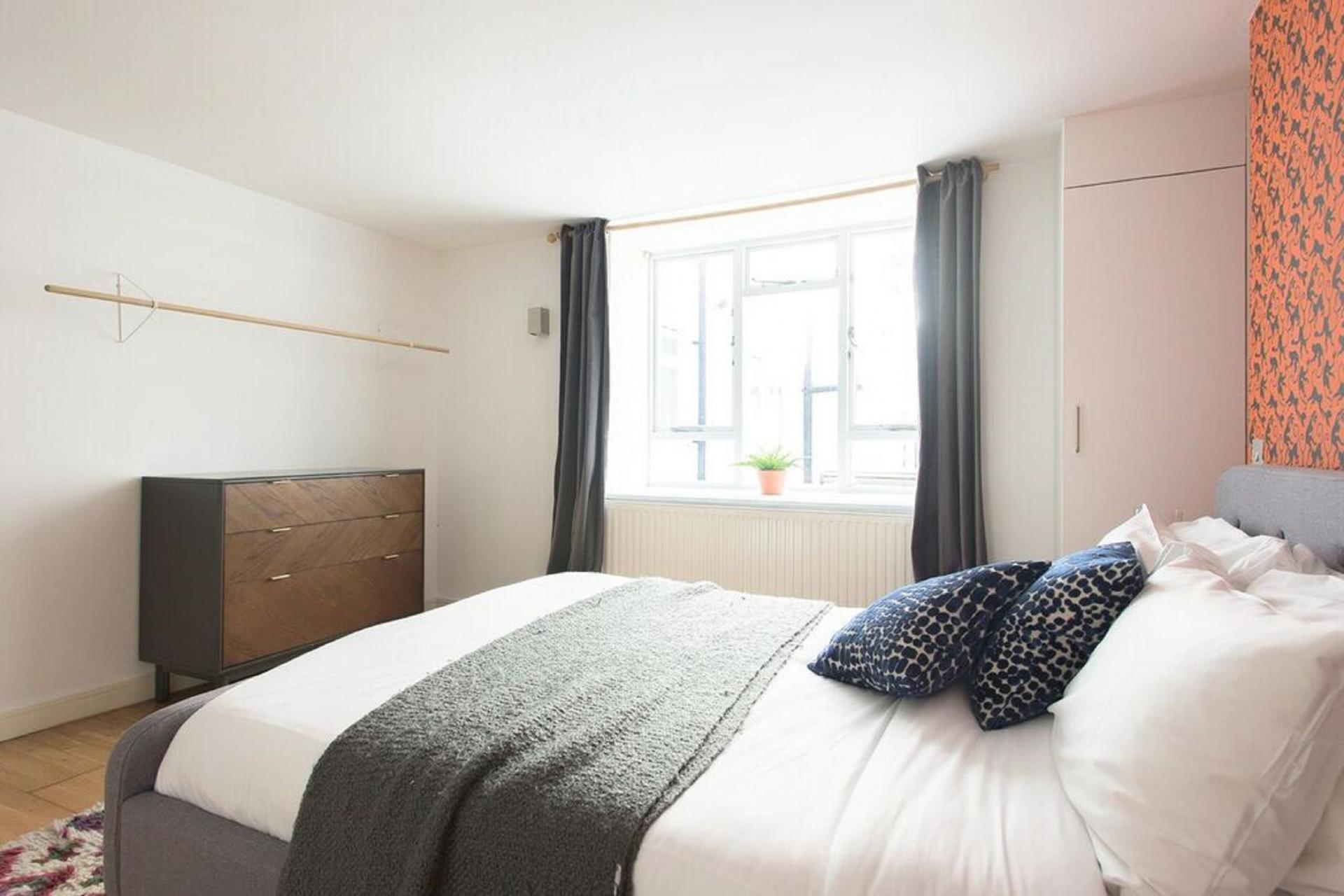 Drawers at The Paddington Maisonette, Paddington, London - Citybase Apartments