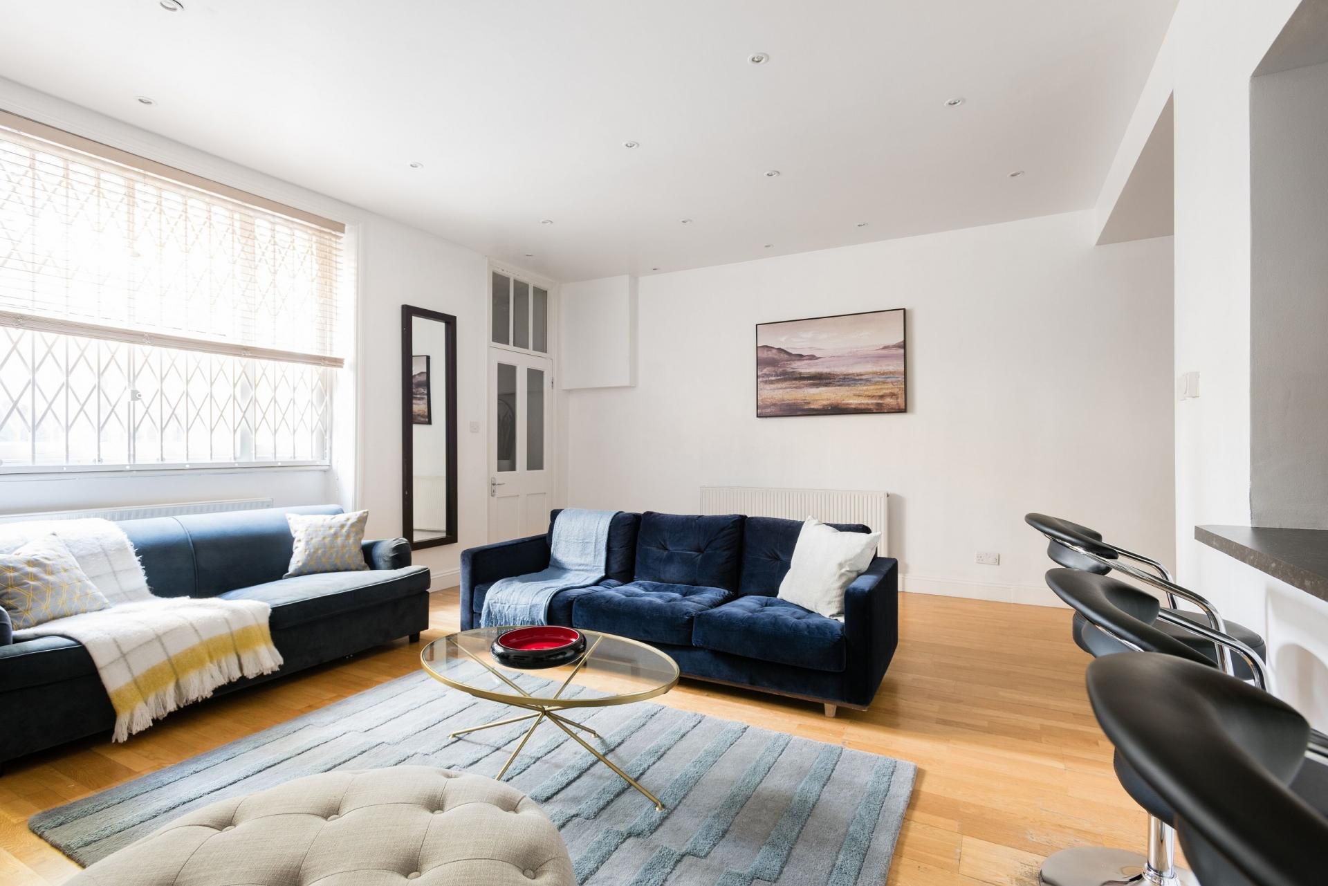 Living room at The Bayswater Gardens House, Bayswater, London - Citybase Apartments