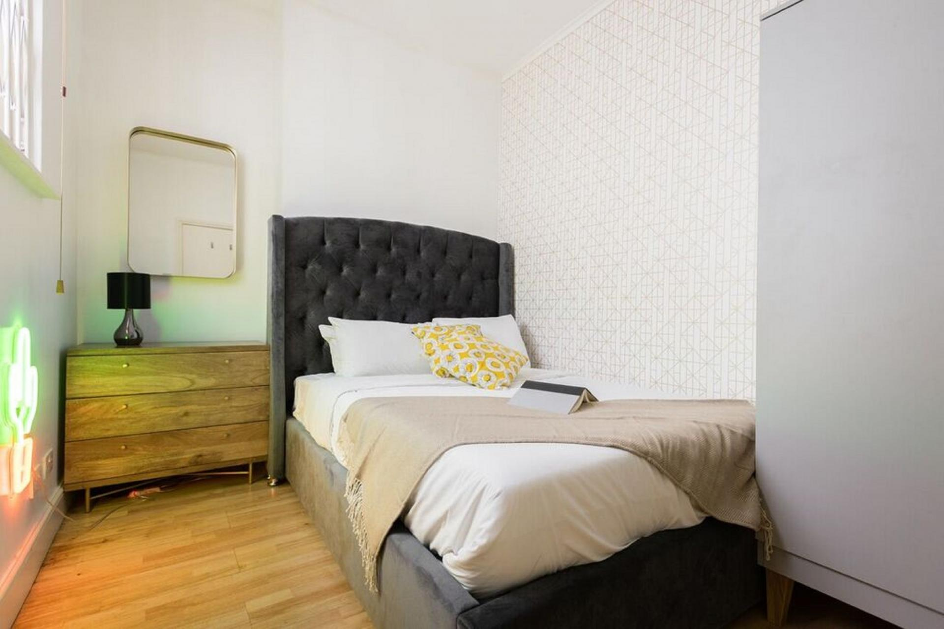 Bedroom 2 The Bayswater Gardens House, Bayswater, London - Citybase Apartments