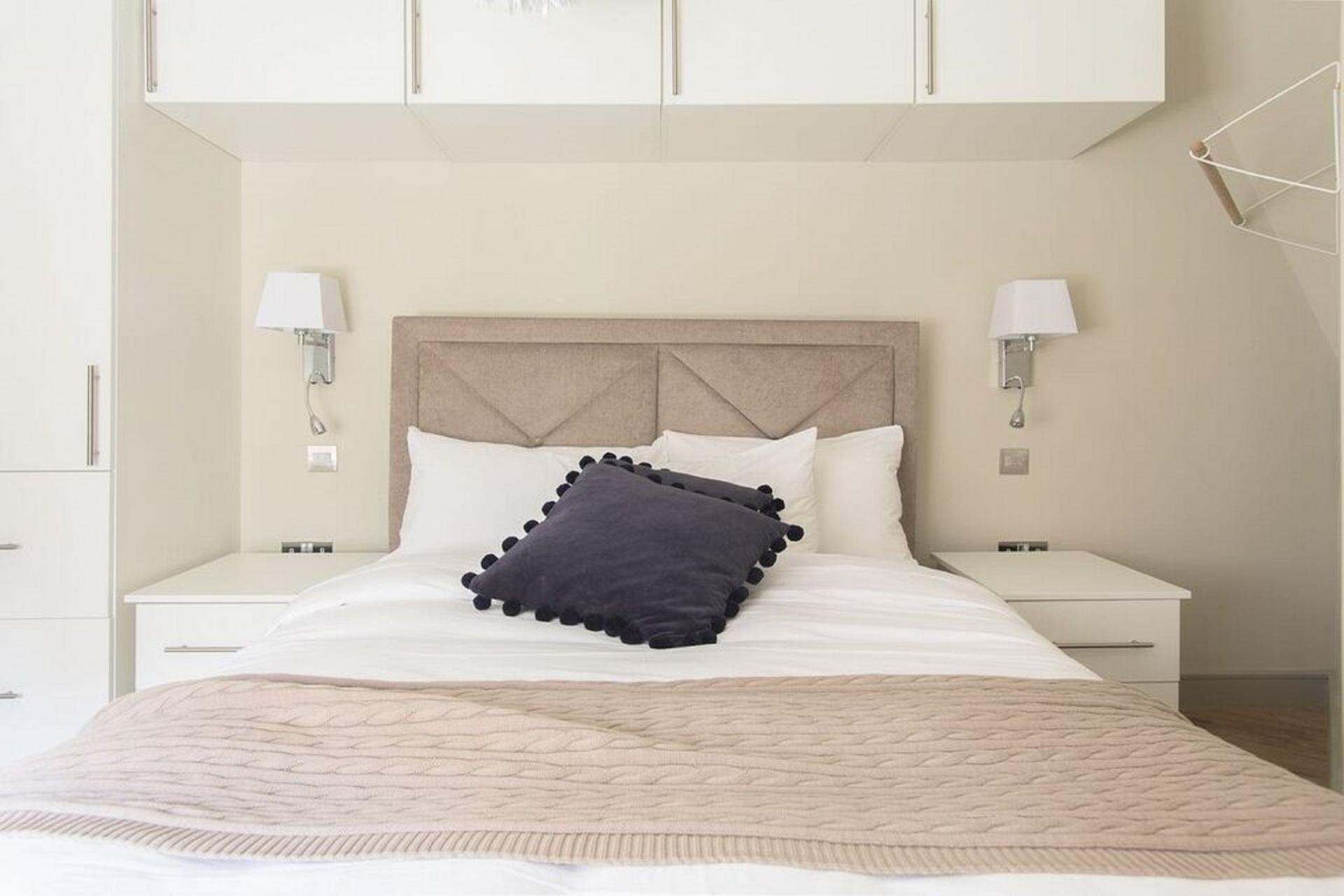 Bed at The Soho Loft, Mayfair, London - Citybase Apartments