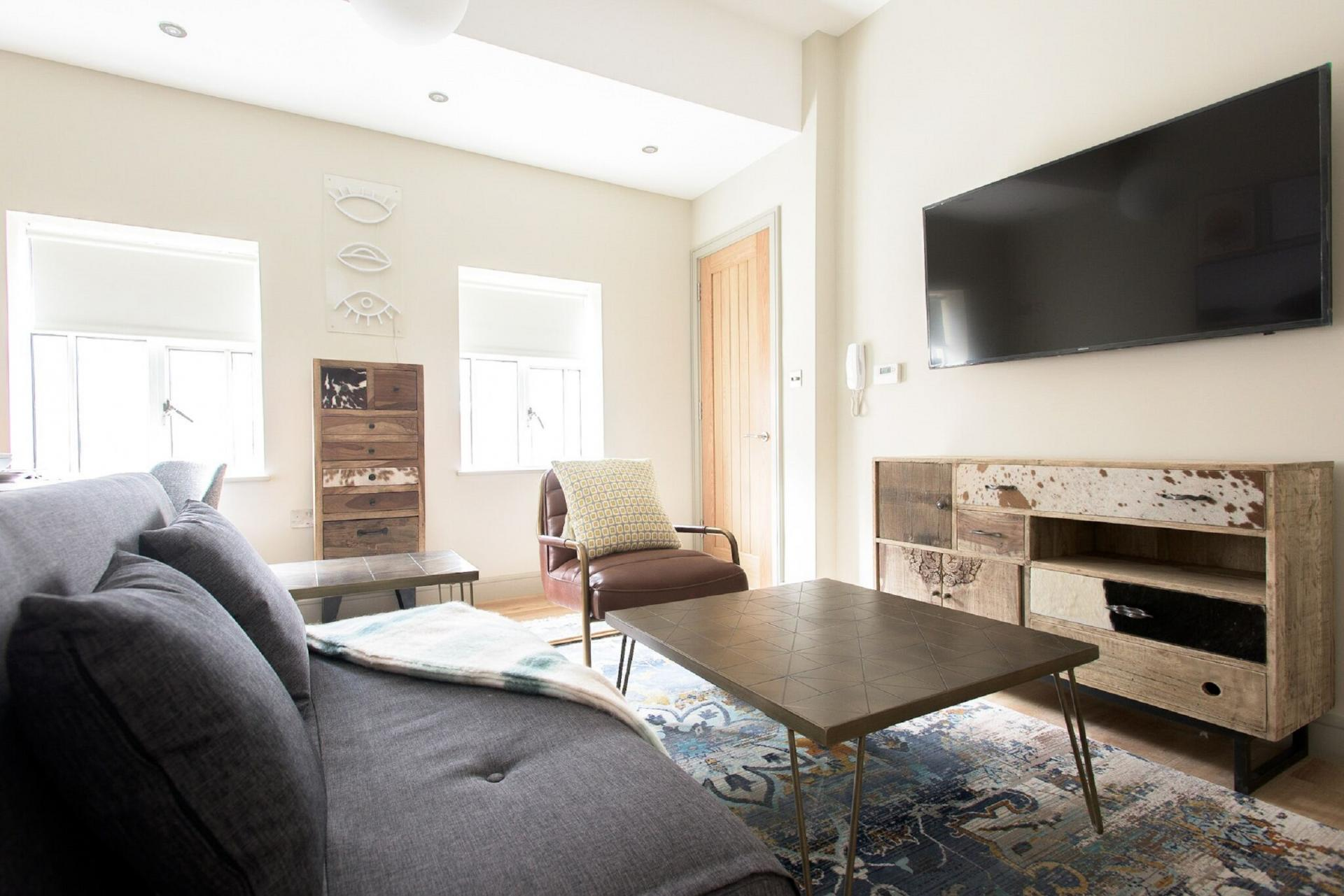 TV at The Soho Loft, Mayfair, London - Citybase Apartments