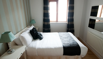 Double bed at Temple Bar Apartments - Citybase Apartments