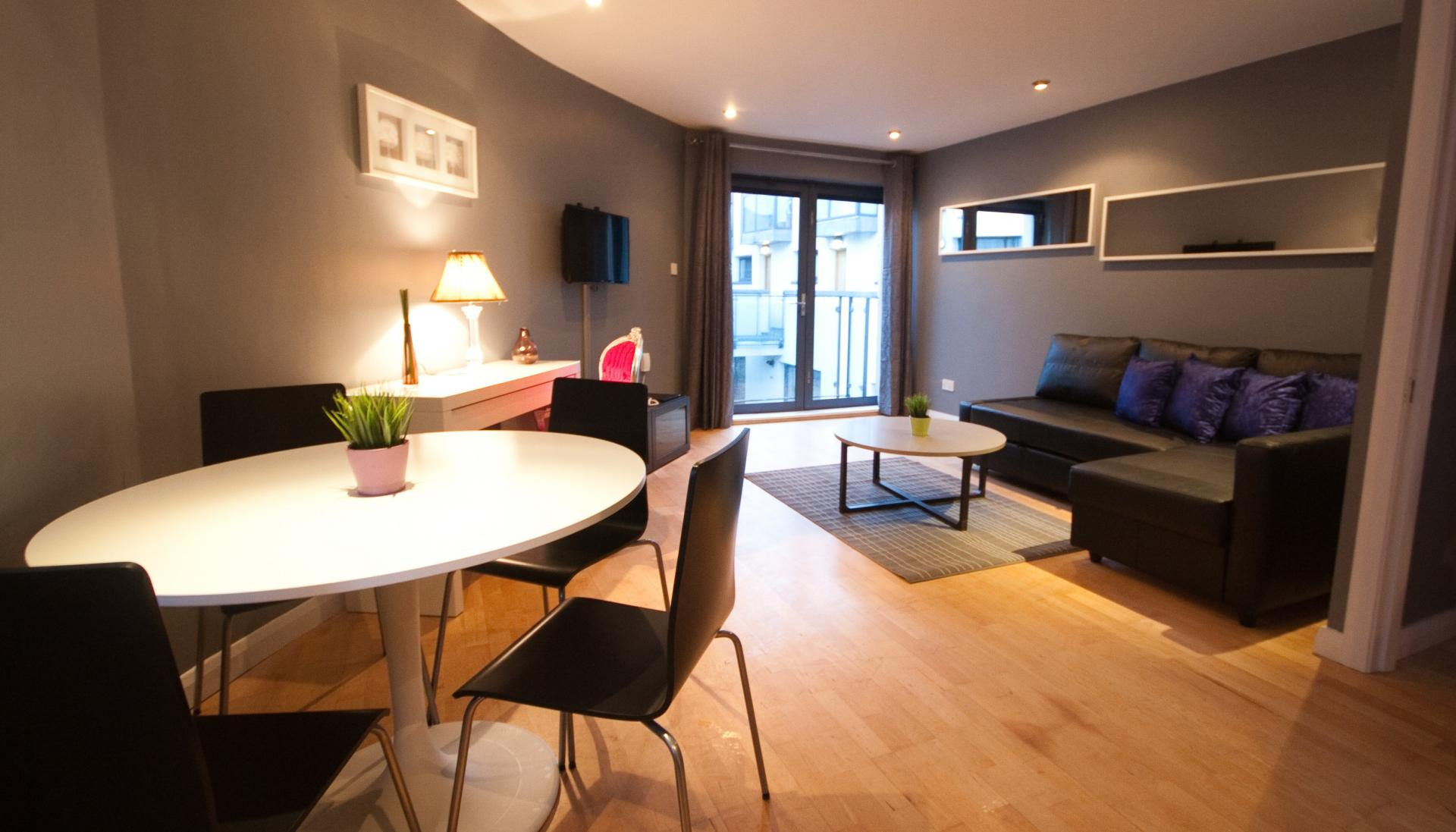 Dining table at Temple Bar Apartments - Citybase Apartments