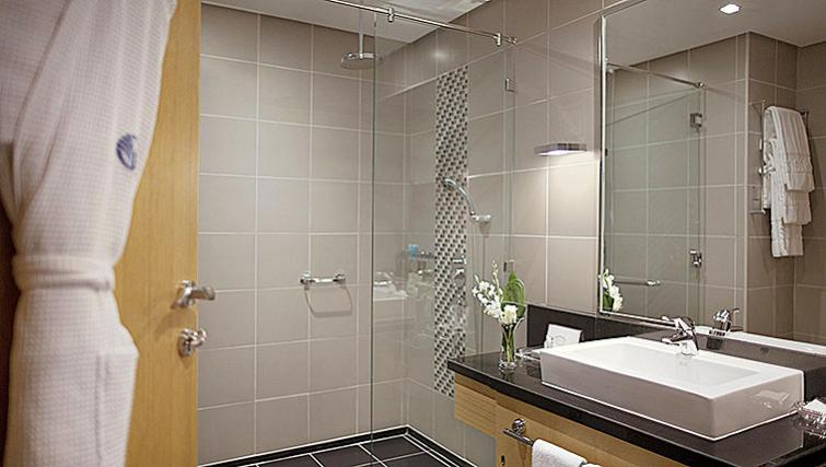 Stylish bathroom in Hala Arjaan Apartments - Citybase Apartments