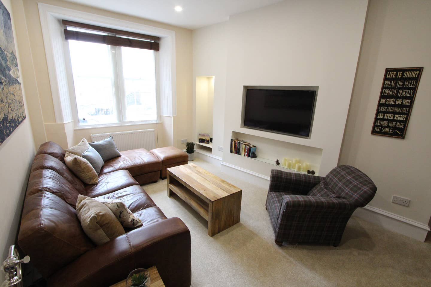 Living room at Stockbridge Apartment - Citybase Apartments