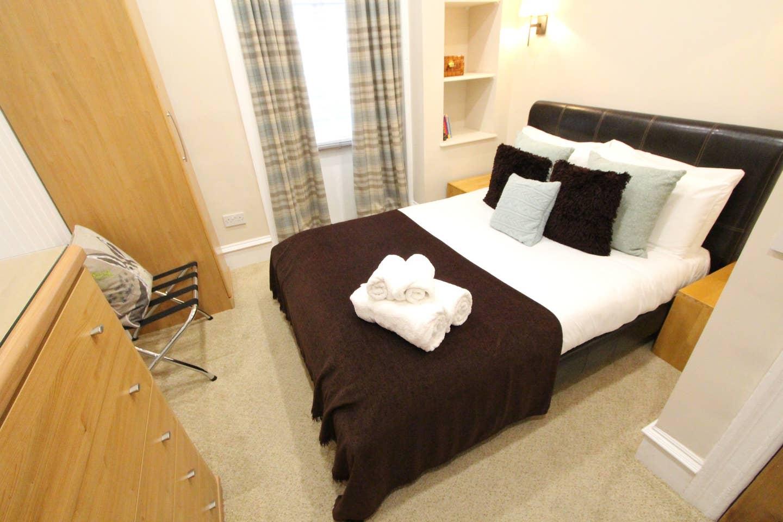 Bedroom at Stockbridge Apartment - Citybase Apartments