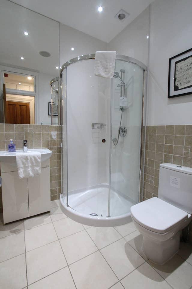 Bathroom at Stockbridge Apartment - Citybase Apartments