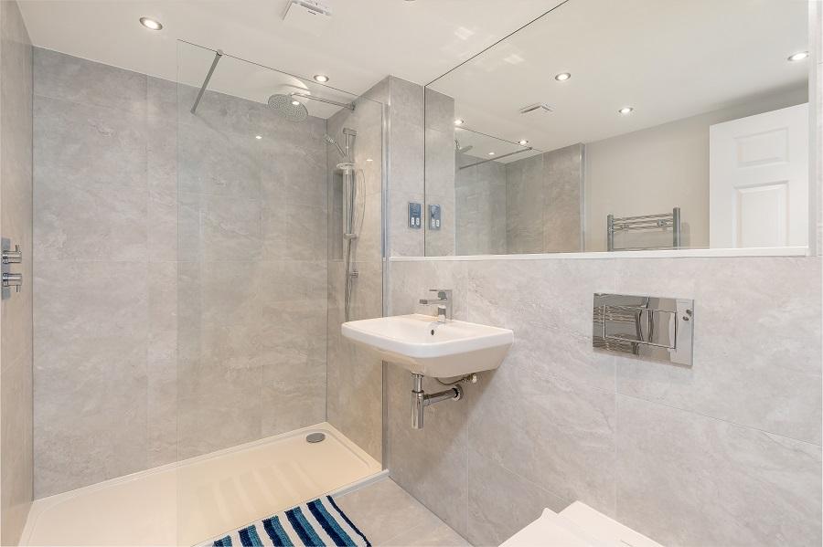 Shower room at Thistle Street Edinburgh Apartments - Citybase Apartments