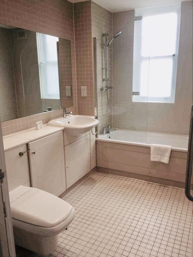Bathroom at Flying Butler Bloomburg Street Apartments - Citybase Apartments